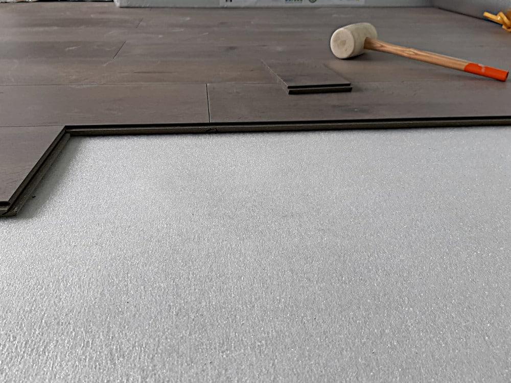 Hybride vloer installatie